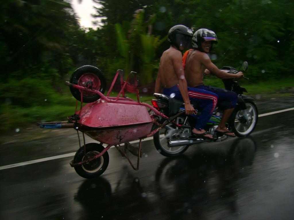 držao je dvoje kolica pri brzini od 70 km na čas