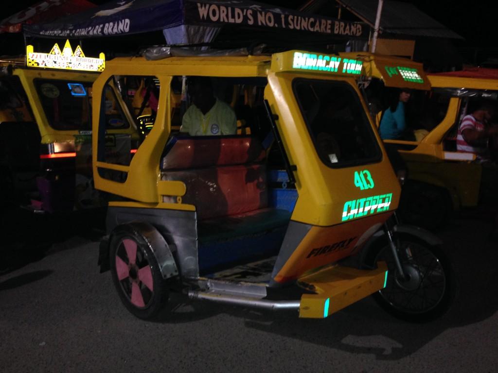 Tricikli i motori su jedina prevozna sredstva na ostrvu