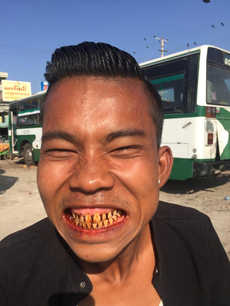 Nacija sa narandžastim zubima